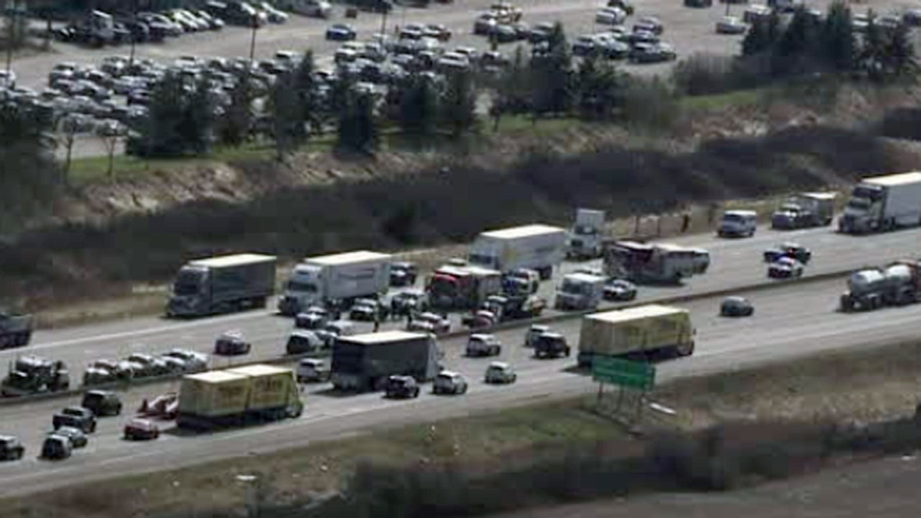 Milton crash on Hwy  401 leaves one person dead   CP24 com